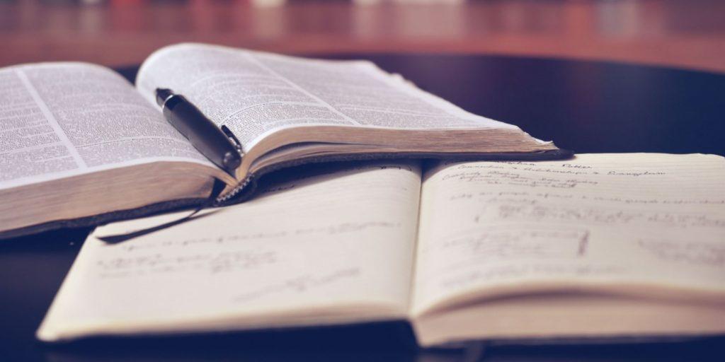 قراءة أكثر من كتاب